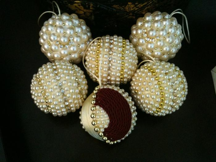 las bolas de Navidad y preciosos árboles de Navidad con perlas y cuentas (42) (700x525, 268Kb)