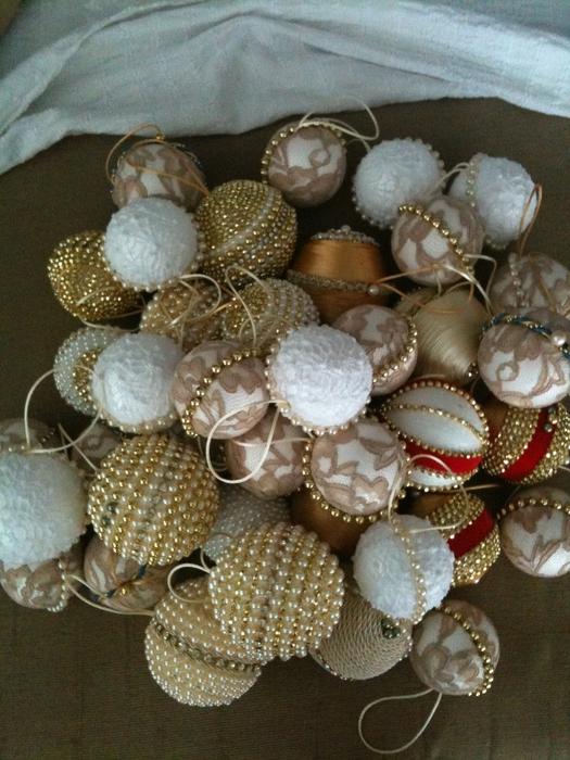 las bolas de Navidad y preciosos árboles de Navidad con perlas y cuentas (44) (525x700, 307KB)