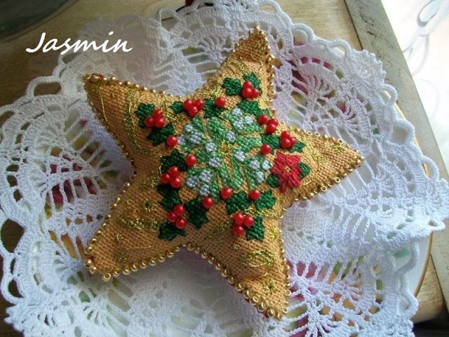 Рождественская звезда из мешковины с вышивкой (3) (640x480, 265Kb)