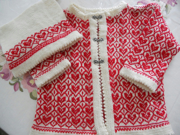 17505 Cardigan, pants, mittens, scarf, and patterned cap by Olaug Kleppe (700x524, 526Kb)
