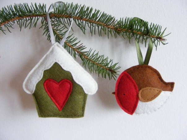 Как сшить новогоднюю игрушку из фетра своими