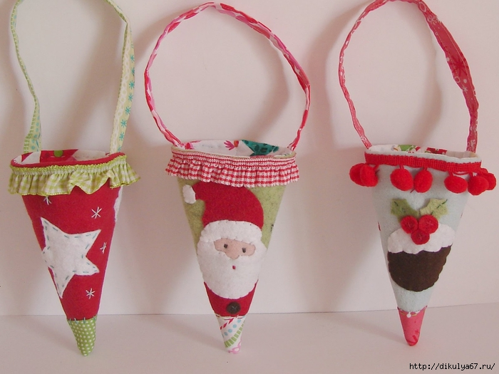 Christmas ornaments gift cones1 (700x525, 219Kb)