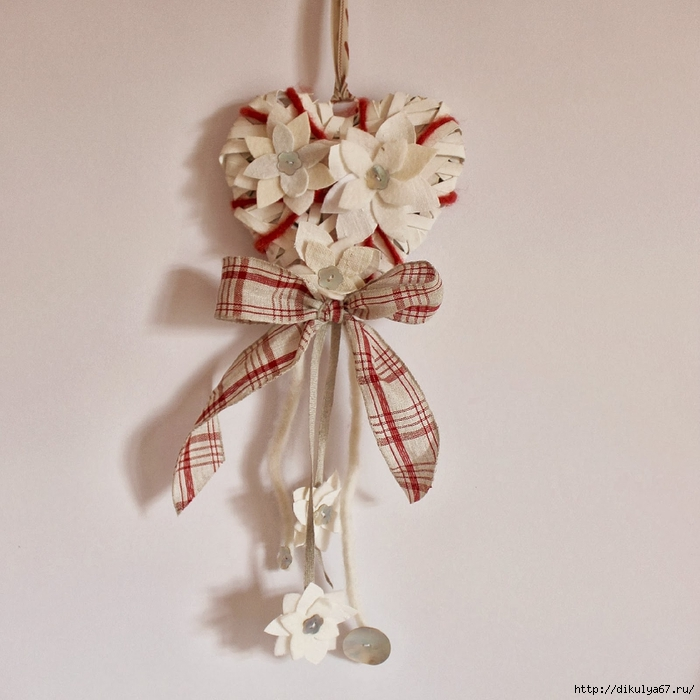 Christmas decoration heart red white flowers (700x700, 269Kb)