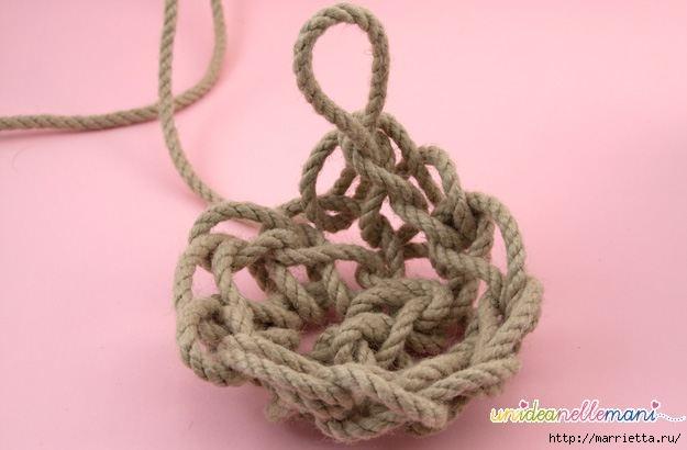 Корзинка из веревки. Вязание на руках (4) (625x410, 85Kb)