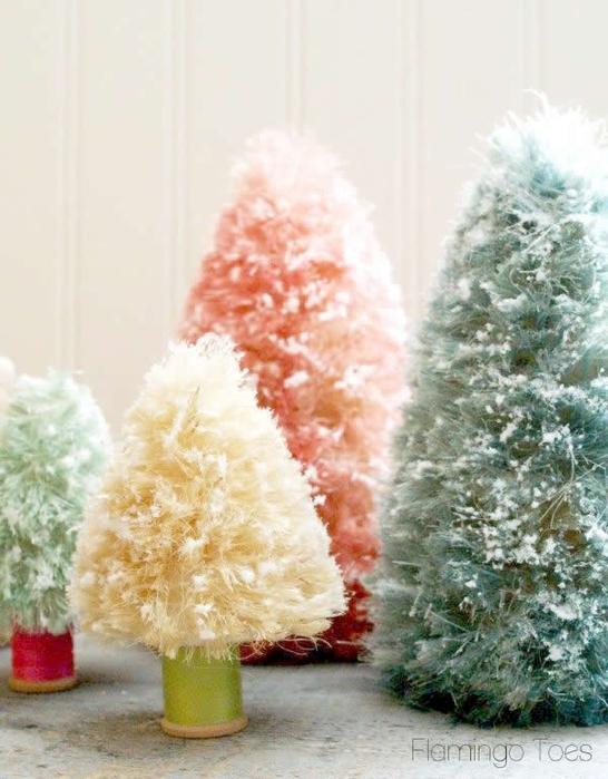 pastel-Christmas-bottle-brush-trees (546x700, 240Kb)