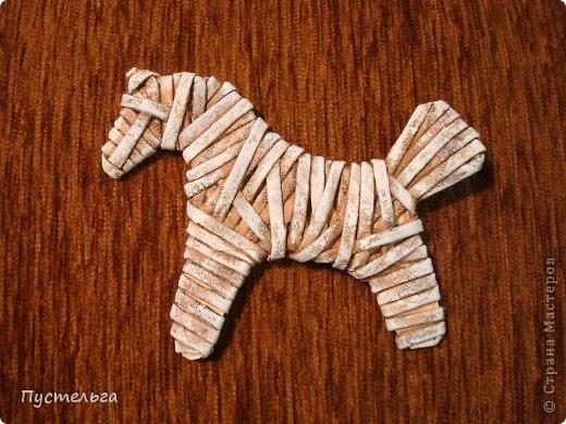Плетение из газет. Лошадка и другие игрушки для елочки (6) (520x390, 163Kb)