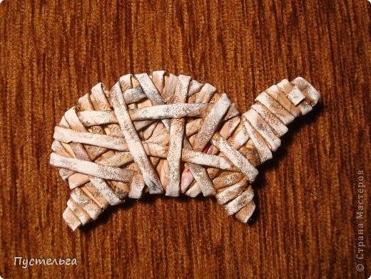 Плетение из газет. Лошадка и другие игрушки для елочки (13) (520x392, 180Kb)