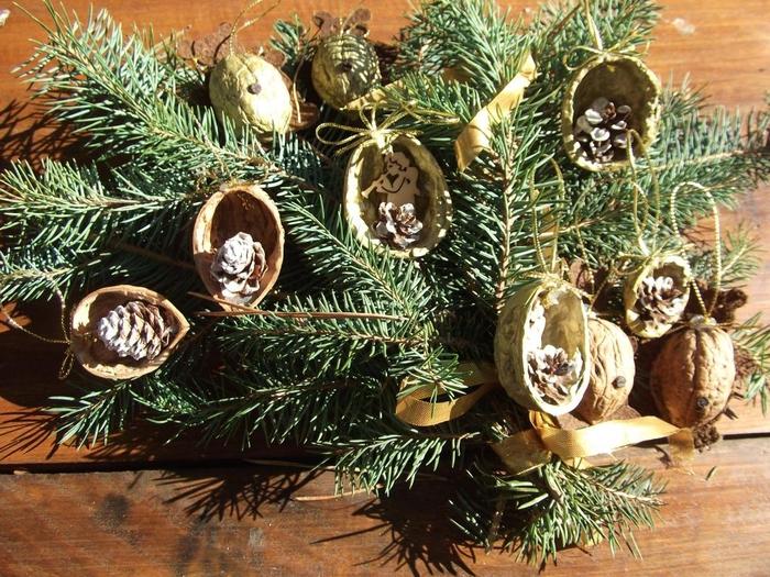 Рождественские фантазии с грецкими орешками (13) (700x525, 379Kb)