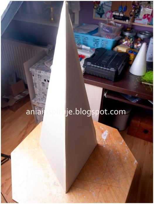 Замечательная елочка на пирамидальной картонной основе. Мастер-класс (6) (526x700, 210Kb)