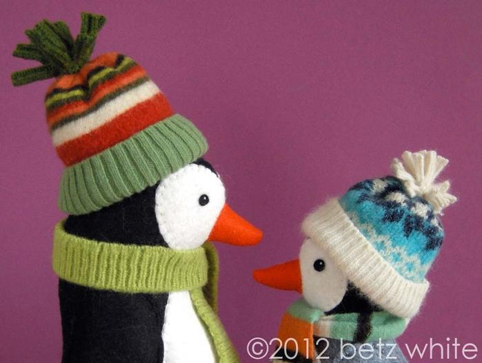 Шапочки для пингвинов из рукавов старого свитера (11) (700x527, 228Kb)