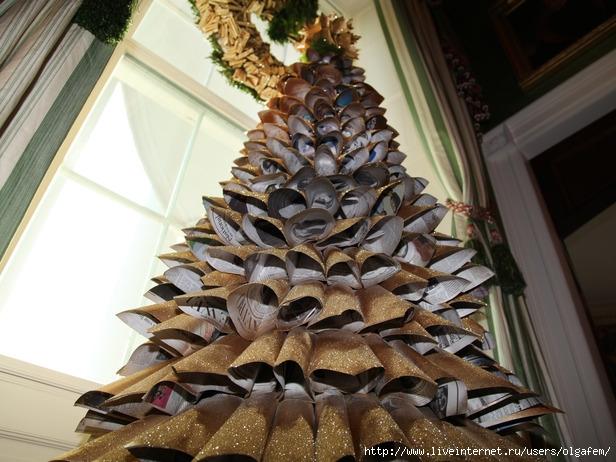 HWHC8-S10_Christmas-tree-newspaper-closeup_s4x3_lg (616x462, 222Kb)