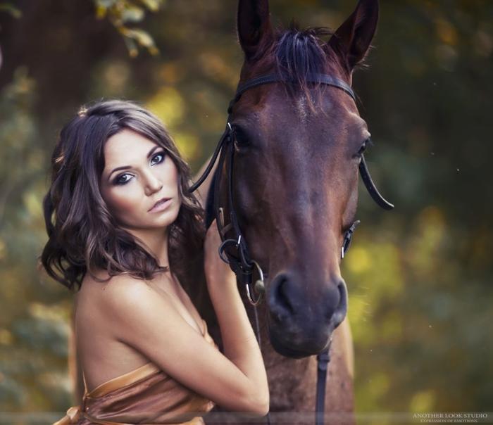 Для девочки с лошадьми
