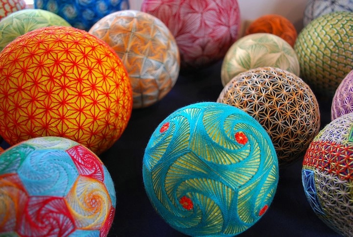 японские шары темари фото 10 (700x469, 296Kb)