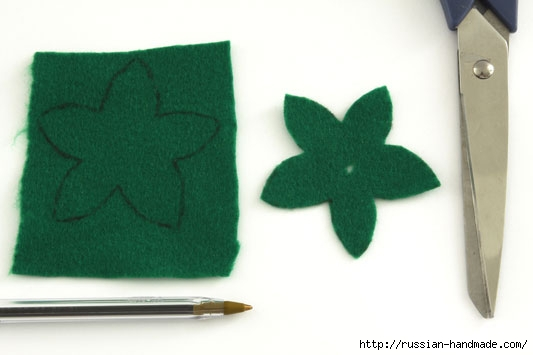 Цветы из ткани. РОЗЫ и ГВОЗДИКИ (2) (533x355, 69Kb)