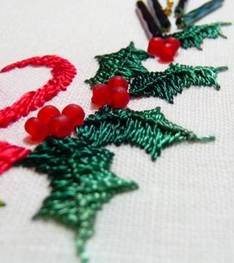 5a.Holly Leaves-Ridged Blanket Stitch-20101130_31-reszd (336x378, 76Kb)