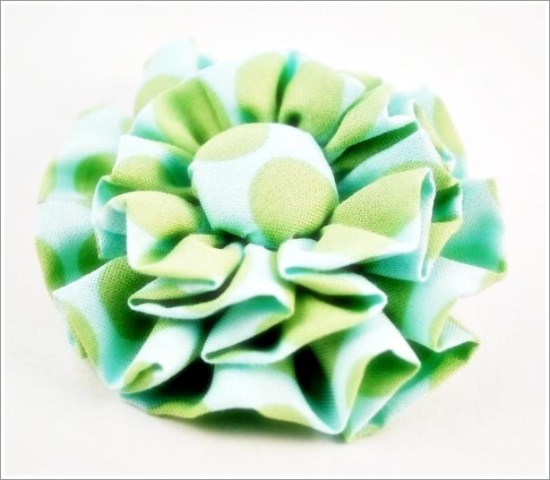 Самые простые цветы из ткани