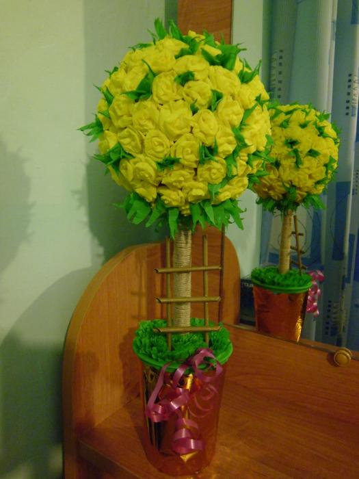 Деревья из бумажных цветов