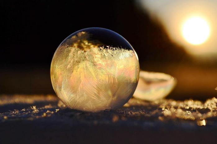 мыльный пузырь фото 2 (700x466, 170Kb)