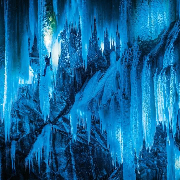 замерзшие водопады фото 4 (700x700, 467Kb)