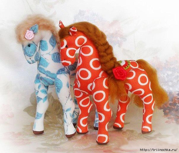 Сошьем Новогодних лошадок! Прелестные кони!