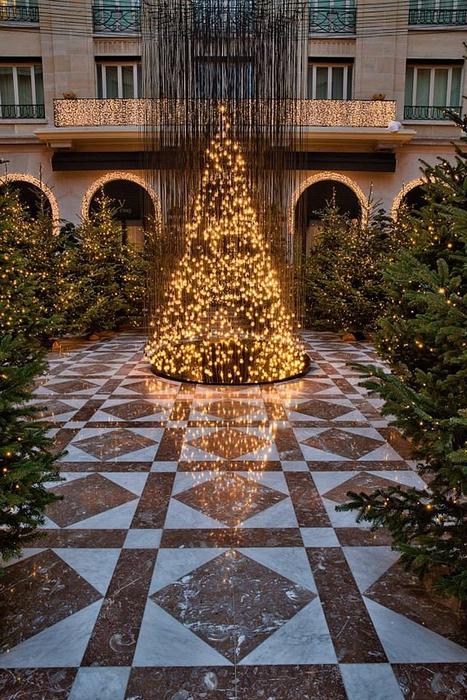 новогодний интерьер фото Four Seasons Hotel George V 5 (467x700, 334Kb)