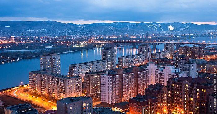 800px-Центральная_часть_города (1) (700x366, 78Kb)