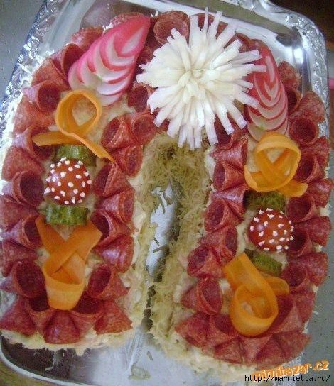 Новогодний СОЛЕНЫЙ торт. ПОДКОВА (14) (470x544, 188Kb)