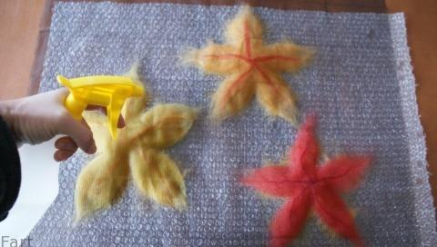 Цветы в технике мокрого валяния из шерсти. Фото мастер-класс (5) (480x272, 95Kb)