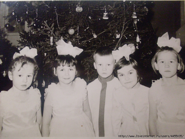 Скопированные фотоальбомы семьи 255 (700x525, 303Kb)