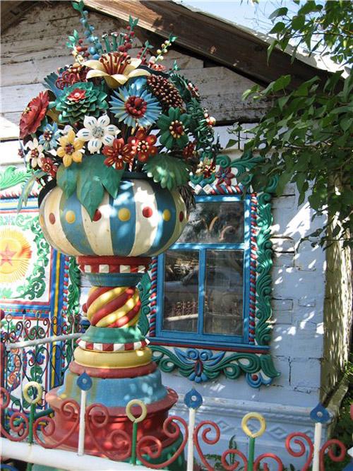 13-Необычный дом кузнеца Сергея Кириллова (500x667, 162Kb)