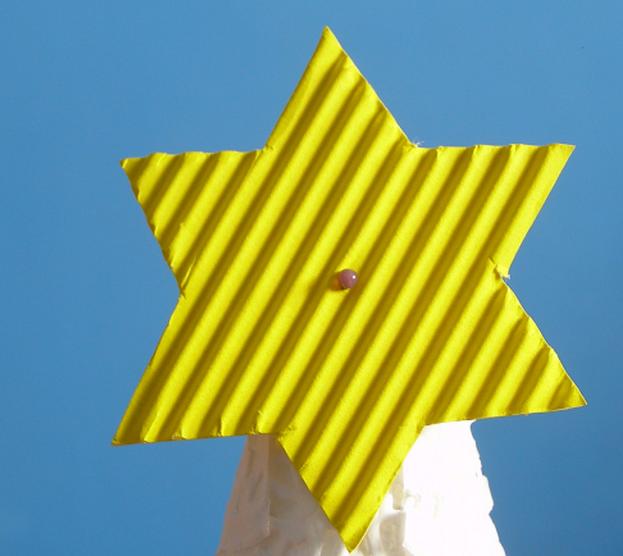 Новогодняя елочка из кружевных бумажных салфеток (10) (623x556, 718Kb)