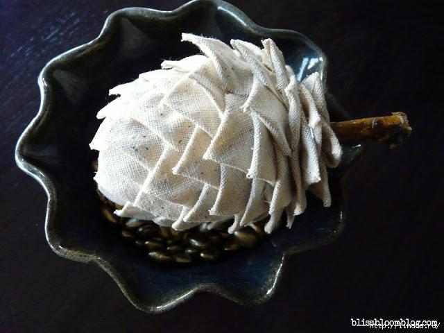 fabric muslin pinecone - final (640x480, 188Kb)