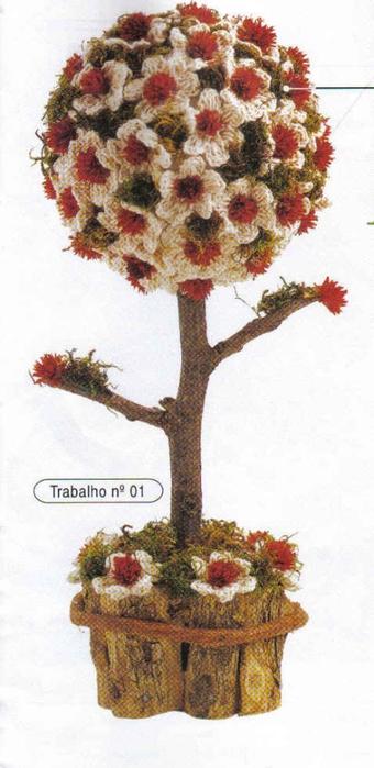 Топиарий из вязаных крючком цветочков (1) (340x700, 172Kb)