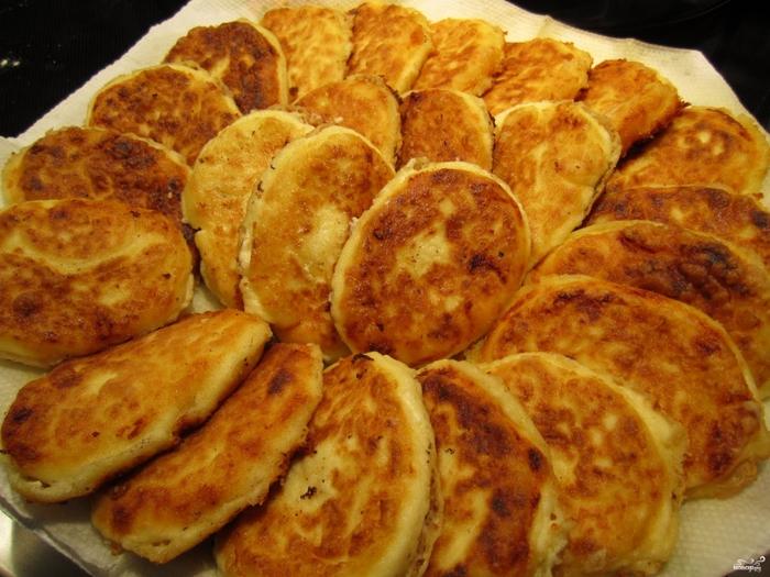 рецепты для детей на завтрак/5281519_sirniki_iz_tvoroga74979 (700x525, 305Kb)