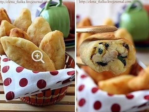 Творожные пирожки с курицей и сыром