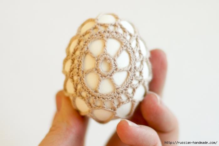 Как обвязать крючком пасхальное яйцо. Фото мастер-класс (28) (700x466, 159Kb)