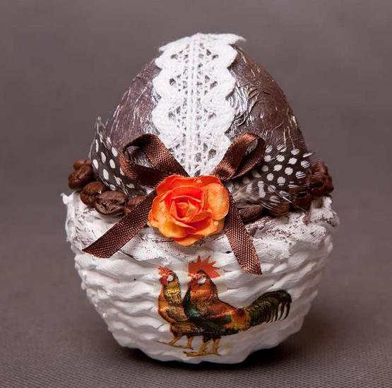 Плетение из газет. Подставочки для пасхальных яиц (3) (555x549, 474Kb)