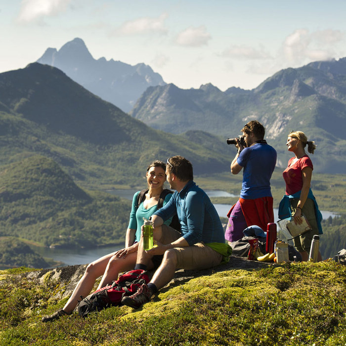 3578968_HikingatFloyaintheLofotenislands_CH__Visitnorway_com_1 (700x700, 170Kb)