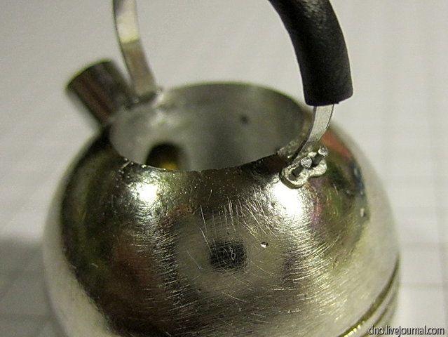 Как сделать миниатюрный чайник из ручки ящика тумбочки (28) (639x480, 185Kb)