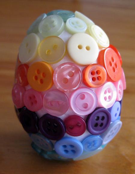 Пуговичный и цветочный пасхальный топиарий (4) (450x579, 577Kb)
