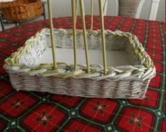 Плетение из газет. Корзинка для пасхальных яиц (9) (240x191, 46Kb)