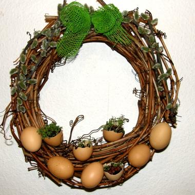 Плетение из газет. Корзинка для пасхальных яиц (21) (380x380, 233Kb)