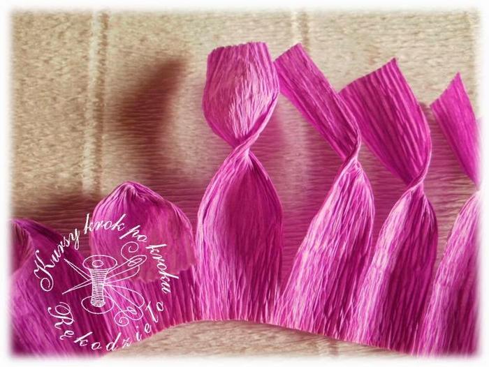 крокусы из гофрированной бумаги (5) (700x526, 377Kb)