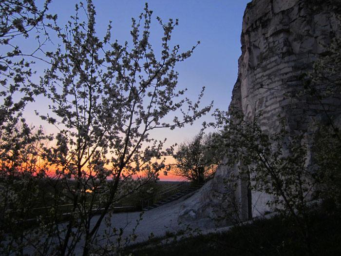 Дивногорье апрель 1 (700x525, 360Kb)