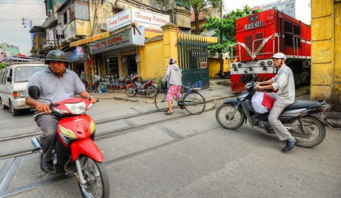 железная дорога вьетнам фото 14 (680x395, 300Kb)