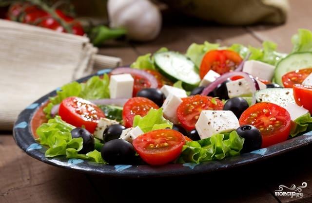 греческий салат рецепты с фото/5281519_grecheskii_salat_s_mocarelloi82238 (640x417, 132Kb)