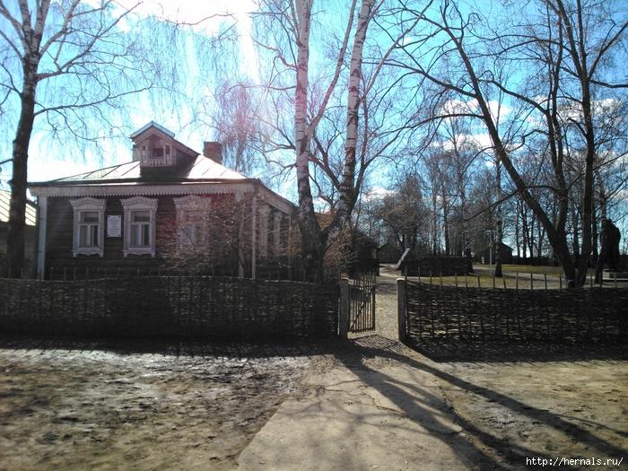 двор усадьбы Есениных/4555640_DSC_0151 (700x525, 410Kb)