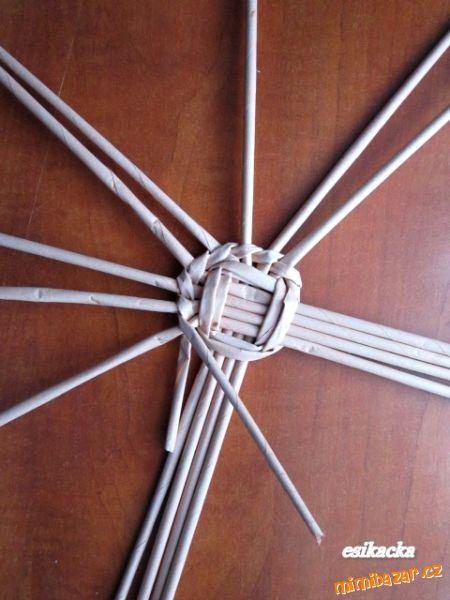 Как сплести шляпку из газетных трубочек. Мастер-класс (10) (450x600, 201Kb)