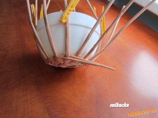 Как сплести шляпку из газетных трубочек. Мастер-класс (12) (600x450, 174Kb)