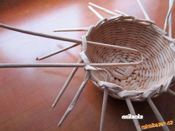 Как сплести шляпку из газетных трубочек. Мастер-класс (16) (600x450, 191Kb)